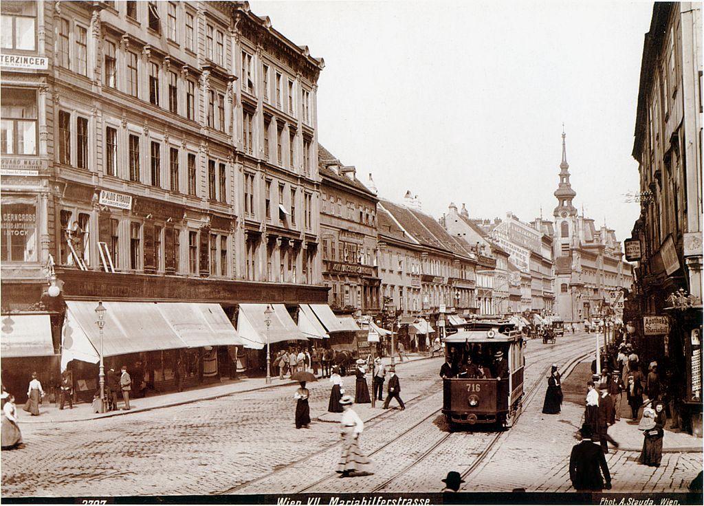 1024px-Mariahilferstrasse_1908_Stauda