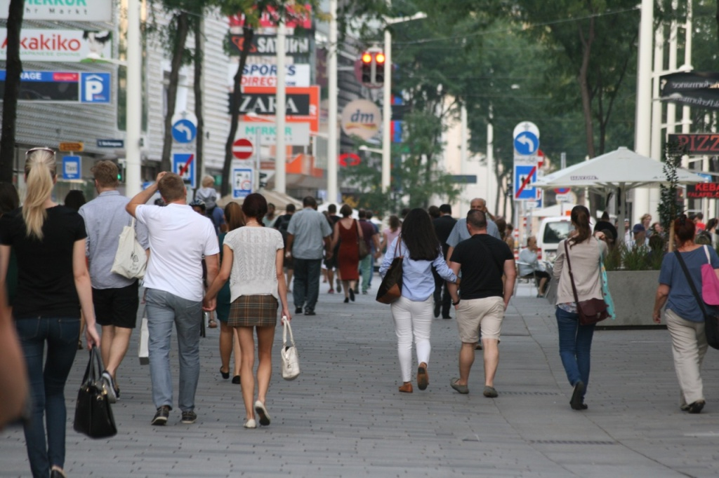 Walking along Vienna's redesigned Mariahilferstrasse